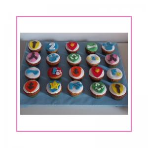 Muffin con decorazione in pasta di zucchero paw patrol