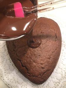 cioccolato fuso e cuore al cioccolato