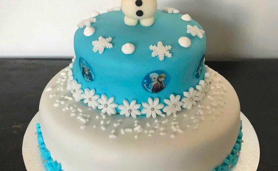 torta frozen decorata