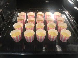 muffin integrali al pompelmo rosa in forno