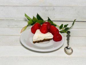 fit cheesecake fetta con fragole