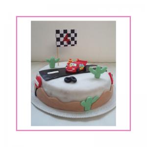 Torta con decorazione in pasta di zucchero, tema cars Disney